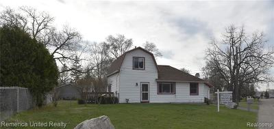 Oakland Single Family Home For Sale: 127 Angle Rd