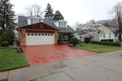 Dearborn Single Family Home For Sale: 15818 Longmeadow St