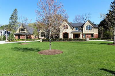 Bloomfield Hills Single Family Home For Sale: 215 Martell Dr