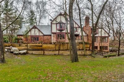 Bloomfield Hills Single Family Home For Sale: 1199 Copperwood Dr