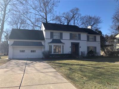 Detroit Single Family Home For Sale: 1661 Lincolnshire Dr