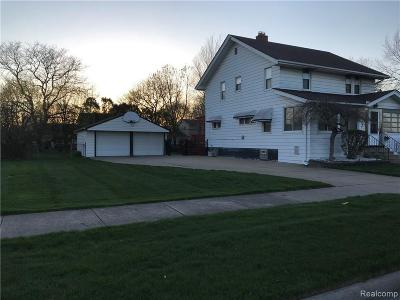 Dearborn Heights Single Family Home For Sale: 2011 N Evangeline St