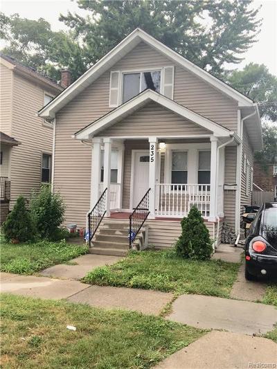Ferndale Single Family Home For Sale: 235 E Bennett Ave