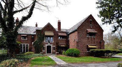 Detroit Single Family Home For Sale: 18261 Hamilton Rd