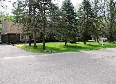 Farmington Hills Single Family Home For Sale: 28922 Herndonwood Dr