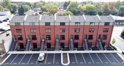 Royal Oak Condo/Townhouse For Sale: 638 W 11 Mile Rd