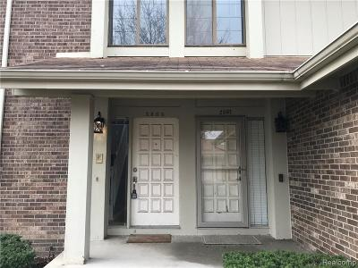 Rochester Hills Condo/Townhouse For Sale: 2865 Trailwood Dr