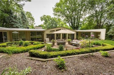 Bloomfield Hills Single Family Home For Sale: 3788 Crestlake Dr