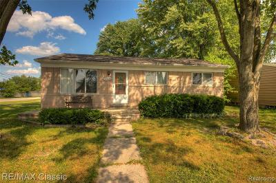 Farmington Hills Single Family Home For Sale: 22236 Purdue Ave