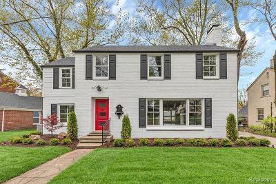 Huntington Woods Single Family Home For Sale: 26025 Huntington Rd