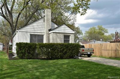 Hazel Park Single Family Home For Sale: 1737 E Harry Ave
