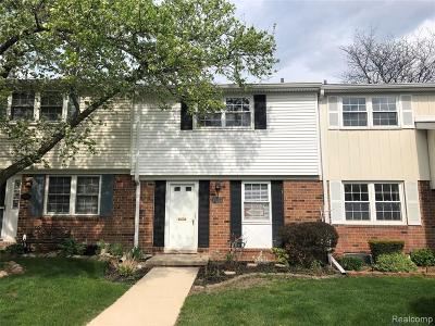 Northville Condo/Townhouse For Sale: 42266 Norwood Crt