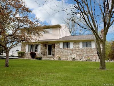 Flint Single Family Home For Sale: 4288 Hall Mark Crt