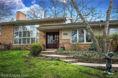 Huntington Woods Single Family Home For Sale: 26088 Huntington Rd