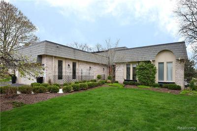 Bloomfield Hills Condo/Townhouse Pending: 5130 Woodlands Trl