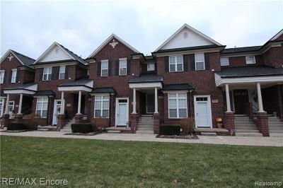 Shelby Twp Condo/Townhouse For Sale: 53184 Providence W