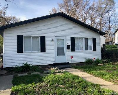 Pontiac Single Family Home For Sale: 32 N Merrimac St