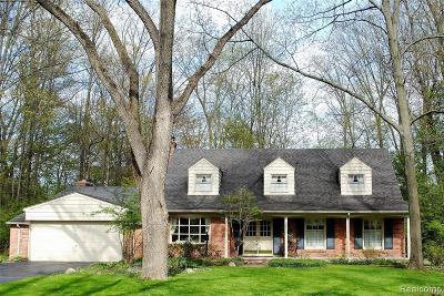 Bloomfield Hills Single Family Home Pending: 4053 Charing Cross Rd W