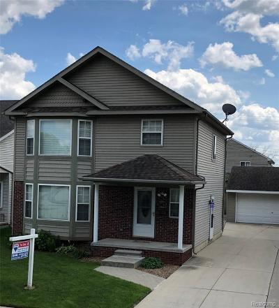Hazel Park Single Family Home For Sale: 543 W Annabelle Ave