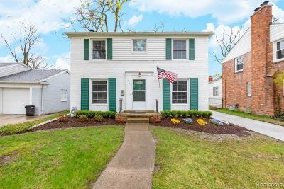 Grosse Pointe Farms Single Family Home For Sale: 417 Moross Rd