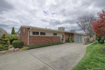 Saint Clair Shores Single Family Home For Sale: 22486 Ardmore Park Dr