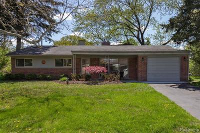 Farmington Hills Single Family Home For Sale: 37841 Wendy Lee Street St