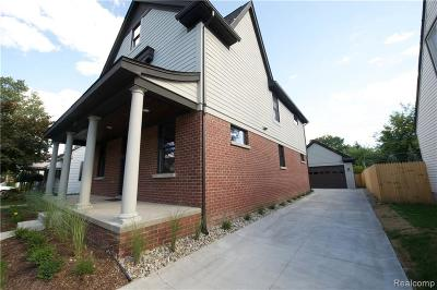 Royal Oak Single Family Home For Sale: 807 Hawthorn Ave