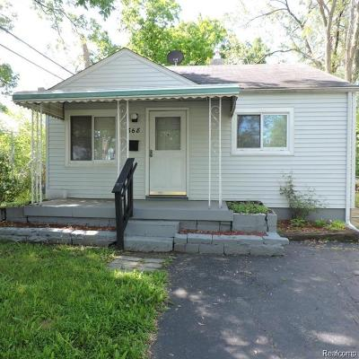 Pontiac Single Family Home For Sale: 668 E Madison