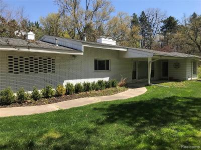 Bloomfield Hills Single Family Home For Sale: 3975 Brookside Dr