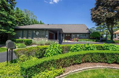 Bloomfield Hills Single Family Home For Sale: 3816 W Maple Rd