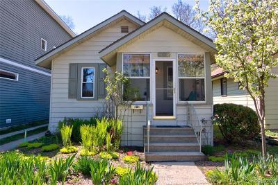 Pleasant Ridge Single Family Home For Sale: 102 Kensington Blvd