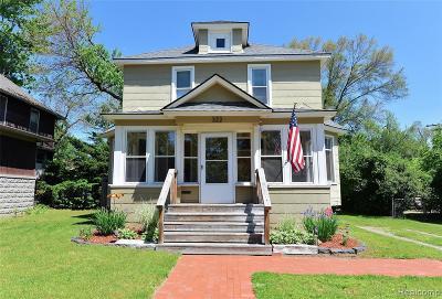 Royal Oak Single Family Home For Sale: 322 W Harrison Ave