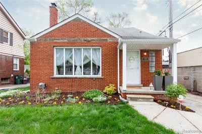 Royal Oak Single Family Home For Sale: 114 N Connecticut Ave