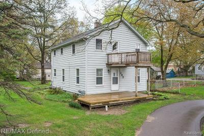 Rochester Hills Single Family Home For Sale: 192 E Tienken Rd
