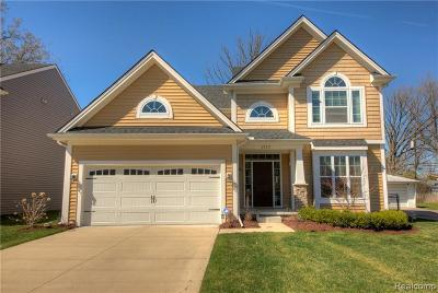 Royal Oak Single Family Home For Sale: 1523 Ottawa Dr