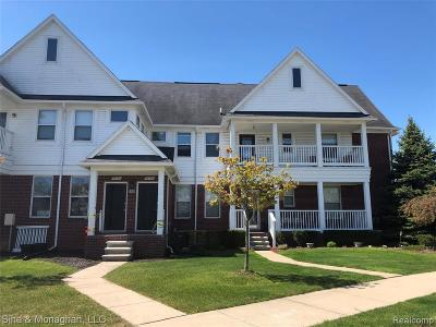 Chesterfield Condo/Townhouse For Sale: 53724 Newberry Dr
