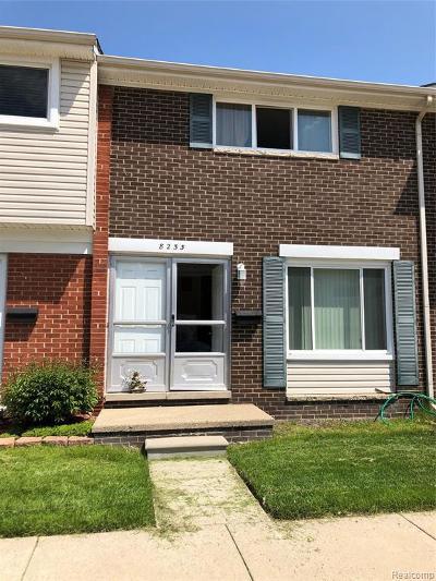 Warren Condo/Townhouse For Sale: 8233 Dartmouth