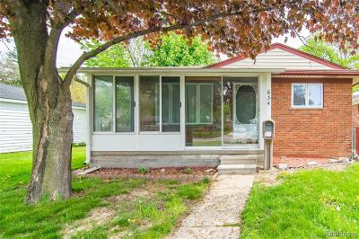 Royal Oak Single Family Home For Sale: 634 N Campbell Rd
