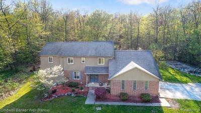 Clarkston Single Family Home For Sale: 5811 Edgar Rd