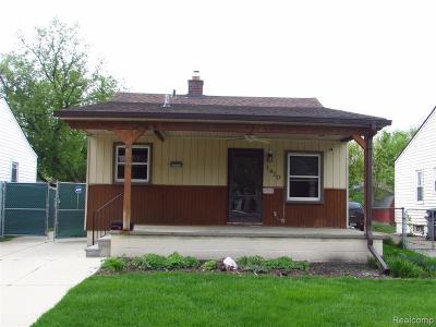 Hazel Park Single Family Home For Sale: 1420 E Madge Ave