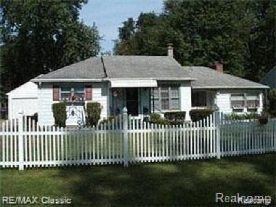 Southfield Single Family Home For Sale: 21272 Mada Ave