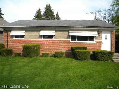 Macomb Single Family Home For Sale: 34324 Alcina St