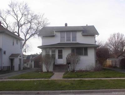 Wayne Single Family Home For Sale: 35414 Chestnut St E