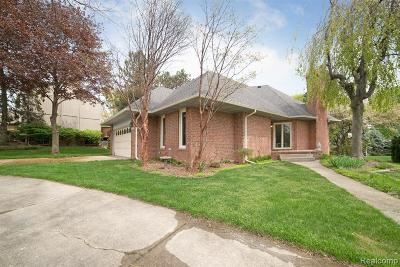 Rochester Hills Single Family Home For Sale: 610 Augusta Dr