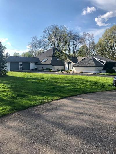 Farmington Hills Single Family Home For Sale: 23431 Glencreek Crt