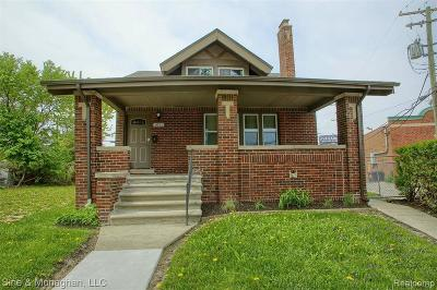 Detroit Single Family Home For Sale: 1023 Algonquin St
