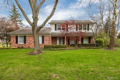 Bloomfield Hills Single Family Home For Sale: 319 Millington Blvd