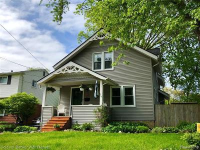Royal Oak Single Family Home For Sale: 537 Detroit Ave