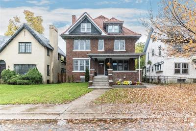 Detroit Single Family Home For Sale: 901 Chicago Blvd