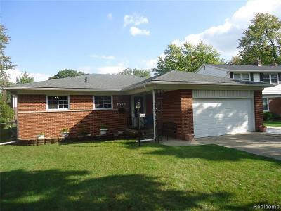 Hazel Park Single Family Home For Sale: 22640 Maple Crt